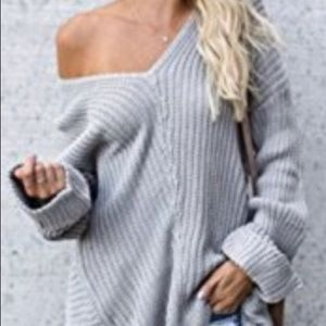 Sweaters - Oversized chunky knit sweater